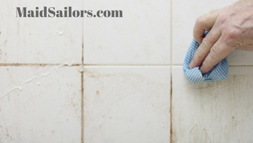 3 tips for cleaning grout maid sailors august 7 2018 by jennica janae cleaning tips do it yourself 0 comments solutioingenieria Image collections