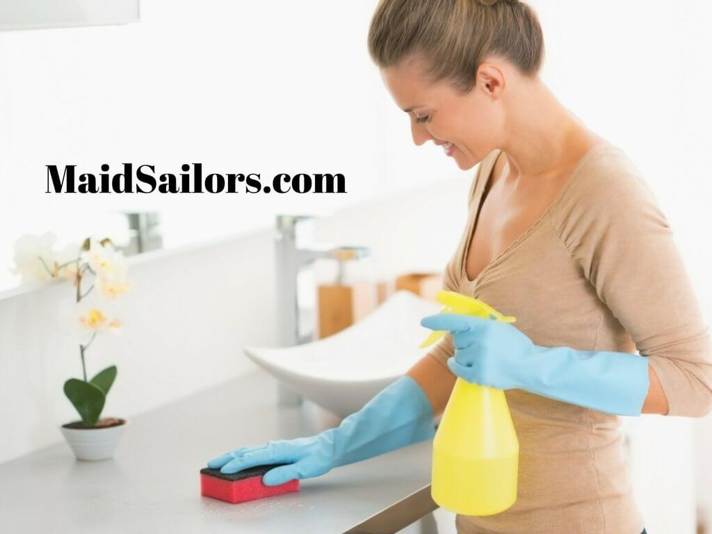 Quick bathroom cleaning tips maid sailors for Bathroom cleaning techniques